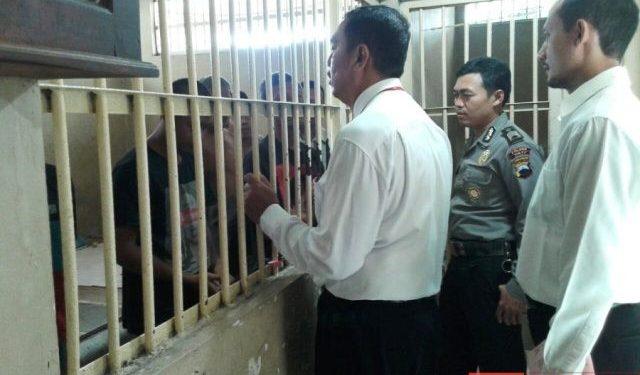 Sat Tahti Periksa Seluruh Tahanan di Mapolres Pati, Untuk Perketat Penjagaan
