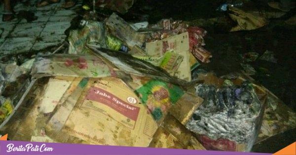 Diduga Konsleting Listrik, Satu Toko di Pasar Porda Juwana Terbakar