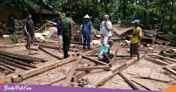 Disapu Hujan Angin, Satu Rumah di Desa Soneyan Porak Poranda