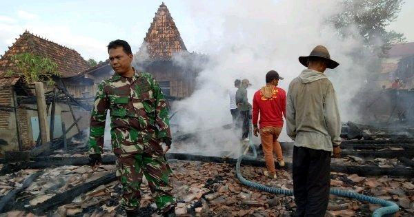 Dilahap Api, Satu Rumah di Winong Ludes Terbakar, Kerugian Ditaksir Ratusan Juta Rupiah