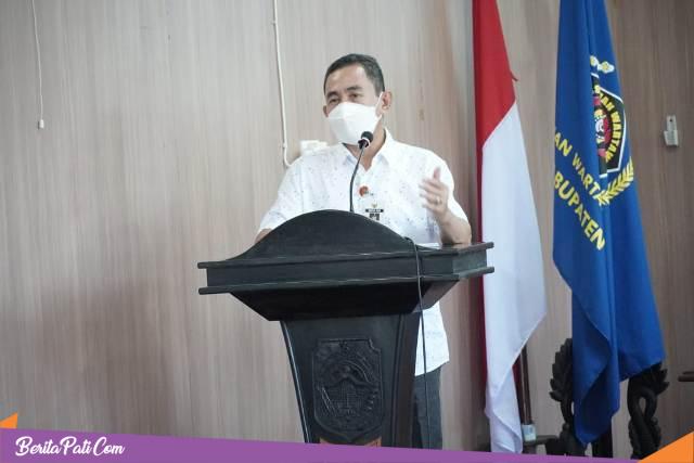Bupati Haryanto Dorong Wartawan Ikuti Uji Kompetensi